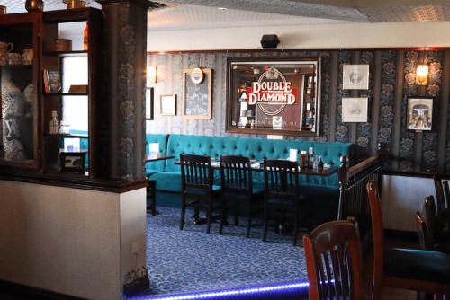 winchester arms pub dundas 2