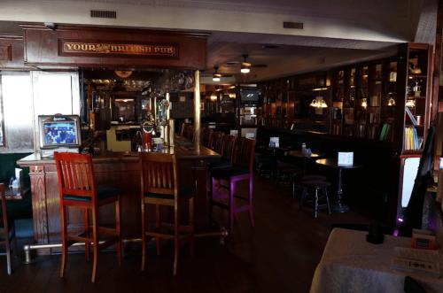 winchester arms pub dundas 7